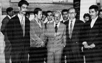 صادق تبریزی (نفر دوم از چپ)