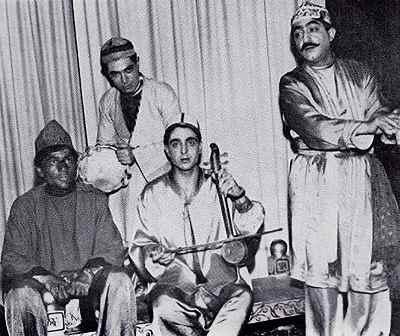 از راست: عزت الله انتظامی، علی نصیریان، خسرو شجاع زاده - نمایش (امیر ارسلان) - کارگردان : علی نصیریان . تالار ۲۵ شهریور