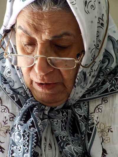 زنده یاد فخری سادات حسینی-مادر علی فرامرزی - سال 1389