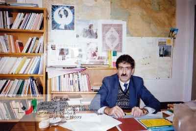 احمد پوری در محل کار