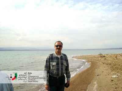 عبدالحسین آذرنگ در کنار بحرالمیت