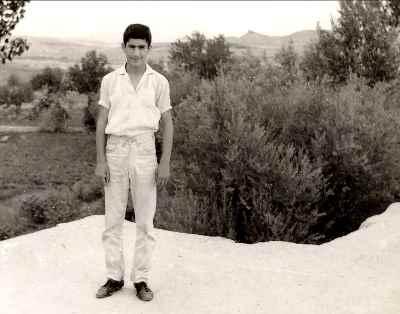 علی فرامرزی در دوران نوجوانی - سال 1344
