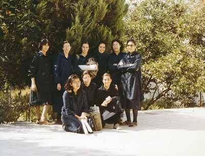 رزیتا شرف جهان - هنرستان (سمت راست ایستاده)