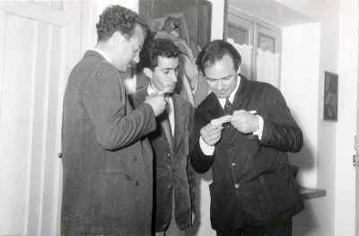 از راست: مارگو کرگوریان، سهراب سپهری، فرهاد فرخی