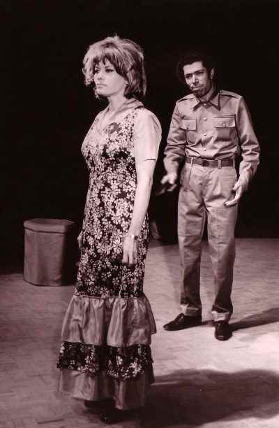علی نصیریان، فخری خوروش - نمایش کلمب، کارگردان: اسماعیل شنگله، تالار موزه - سال ۱۳۵۰