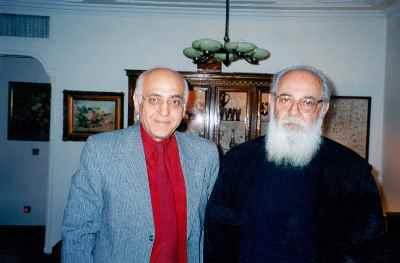 از راست: هوشنگ ابتهاج، محمد سریر