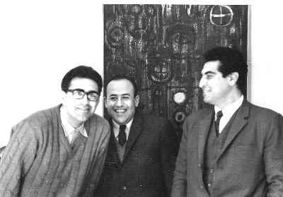 صادق تبریزی (مرکز تصویر)