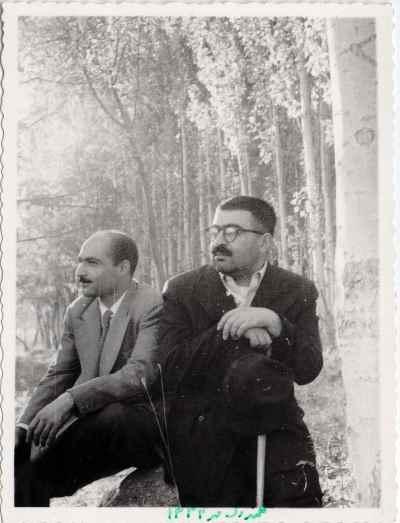 عبدالله انوار (نفر سمت راست) در دوران جوانی - گلندوک - سال 1334
