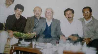 از راست به ترتیب صلاح الدین شیخ آقایی، محی الدین مریوانی، محمد قاضی، عزیز حمزه زاده، لقمان ایازی