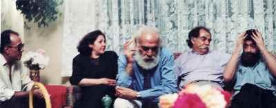 از راست: بهرام دبیری، مرتضی ممیز، سیروس طاهباز ، سیمین اکرامی، عباس کیارستمی