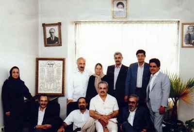 هارون یشایایی (نفر سوم از راست)