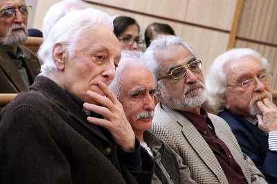 از راست: داریوش شایگان، نصرالله پور جوادی، محمدرضا اصلانی، منوچهر انور