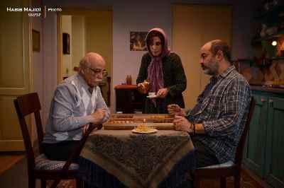 از راست: سعید آقا خانی ، فاطمه معتمدآریا ، رضا بابک -فیلم سینمایی بنفشه آفریقایی - سال 1397