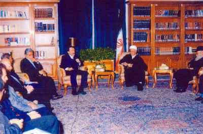 هارون یشایایی (نفر چهارم از راست) دیدار با آیت الله رفسنجانی