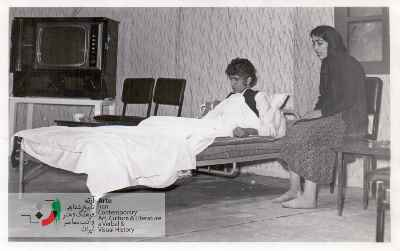 نمایش عروسکهای پشت بام ۱۳۵۱(احمد پوری مرد روی تخت) و یک خانم