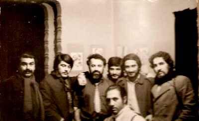 از راست: رحيم ناژفر ، شهريار ايزدى، بهرام دبيرى، هانيبال الخاص، ايرج زند،  مهدى فتحى، نشسته:  شهاب موسوى زاده - خانه الخاص  - سال ١٣٥٢