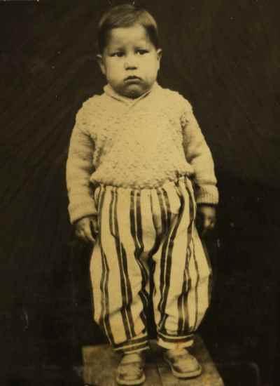 آنه محمد تاتاری در دوران کودکی