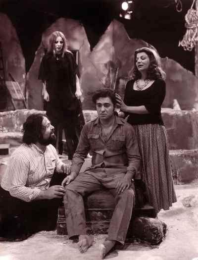 نمایش باتلاق، کارگردان: کشاورز - سال۱۳۵۳- مهین شهابی، اسماعیل شنگله، محمدعلی کشاورز