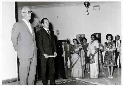 سیراک ملکنیان (نفر دوم از چپ) - خانه فرهنگ هند - سال 1962