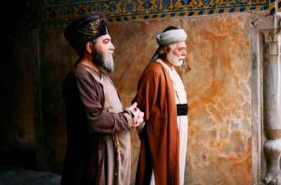 از راست: علی نصیریان، اسماعیل شنگله- شیخ بهائی- کارگردان: شهرام اسدی