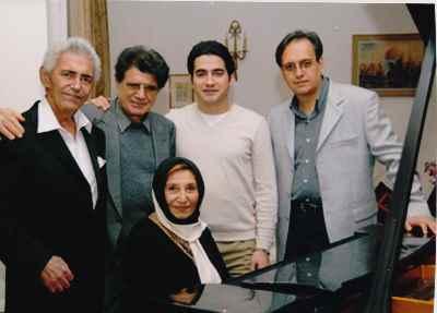 فخری ملکپور به همراه فرهنگ شریف، محمدرضا شجریان و همایون شجریان