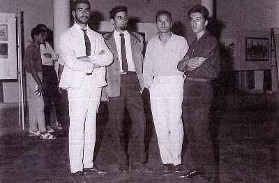 از راست: گارنيك در هاكوپيان، رضا بانگيز، منظورالحق، بهمن بروجني - باشگاه نفت در اهواز نمايشگاه گروه ٤ نفره به دعوت شركت ، سال ١٣٤٣-٤٤
