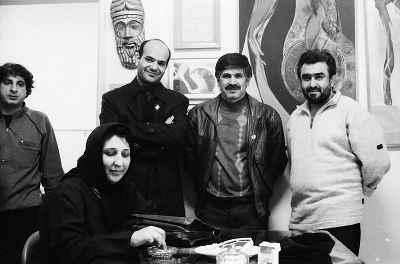 از راست: حمید سوری (نفر دوم)، رزیتا شرف جهان (نفر چهارم)، خسر خسروی