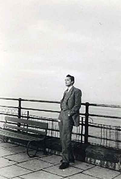 منوچهر انور- سال 1948- انگلیس