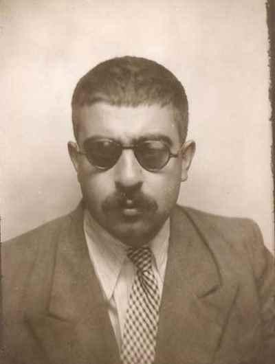 عبدالله انوار در دوران جوانی - زمان استخدام وزارت فرهنگ - سال1326