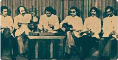 از راست: حدادیان، رضوی، داریوش طلایی، شفیعیان، داوود گنجه ای، اعیان - گروه مرکز و اشاعه