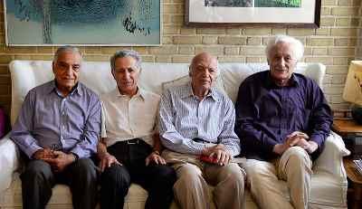 از راست: منوچهر انور، نجف دریابندری، سیروس علی نژاد، صفدر تقی زاده