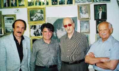 از راست: عبدالوهاب شهیدی (نفر دوم)، محمدرضا شجریان، شاهرخ تویسرکانی