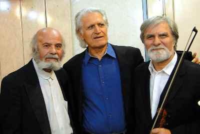 از راست سیاوش ظهیرالدینی و احمد پژمان و پرويز بيات