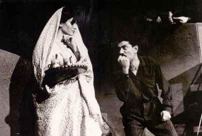 علی نصیریان، فخری خوروش - نمایش کفتر جلد، کارگردان: علی نصیریان