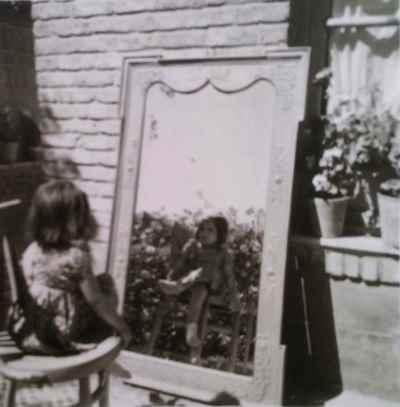فرح سید ابوالقاسم در دوران کودکی