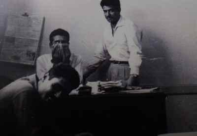 از راست: بیژن جزنی، منوچهر کلانتری، هارون یشایائی- در دفتر پرسپولیس