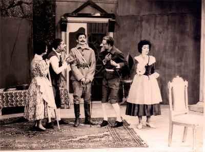 پرویز کاردان، جمشید مشایخی، اسماعیل شنگله - نمایش وراجی - سال ۱۳۳۸، کارگردان: رکن الدین خسروی