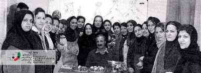 عبدالحسین آذرنگ با دانشجویان دورە ویرایش ساختاری ـ محتوایی سال 1385