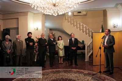 مراسم اعطای جایزه خورشید تابان سفارت ژاپن به عباس کیارستمی