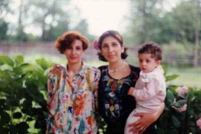 رزیتا و آزیتا شرف جهان (خواهر)