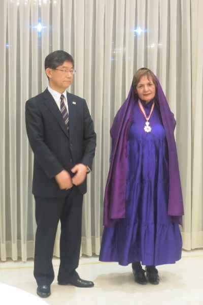 پری یوش گنجی - اهدای نشان افتخار دولت ژاپن
