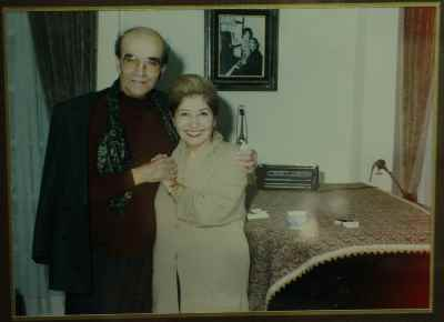 فخری ملکپور به همراه پرویز یاحقی