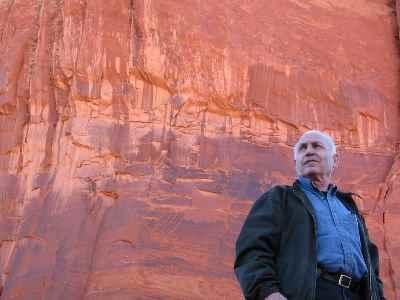 سیراک ملکنیان - بنای تاریخی valley امریکا - سال 2002