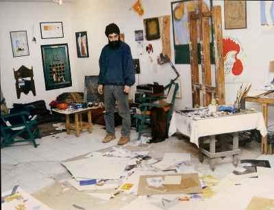 بهرام دبیری - در کارگاهش