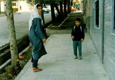 فاطمه معتمد آریا- سال 68 همراه نریمان (پسرشان)