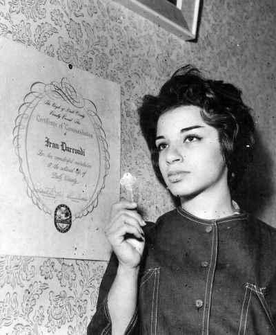 ایران درودی در دوران جوانی - دریافت جایزه کلید شهر میامی از شهردار در بیست و دو سالگی