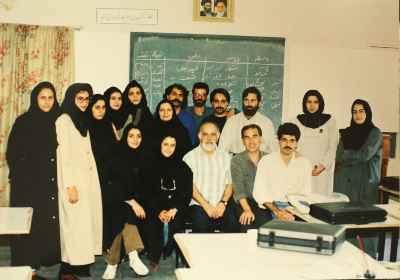 آنه محمد تاتاری نشسته کنار استاد الخاص